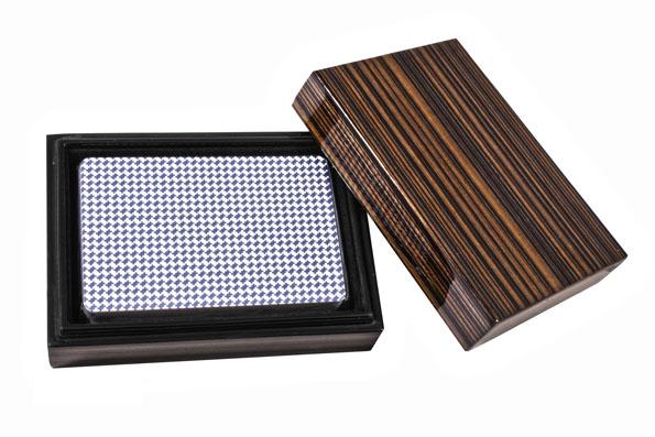 Колода карт Duke в деревянной шкатулке